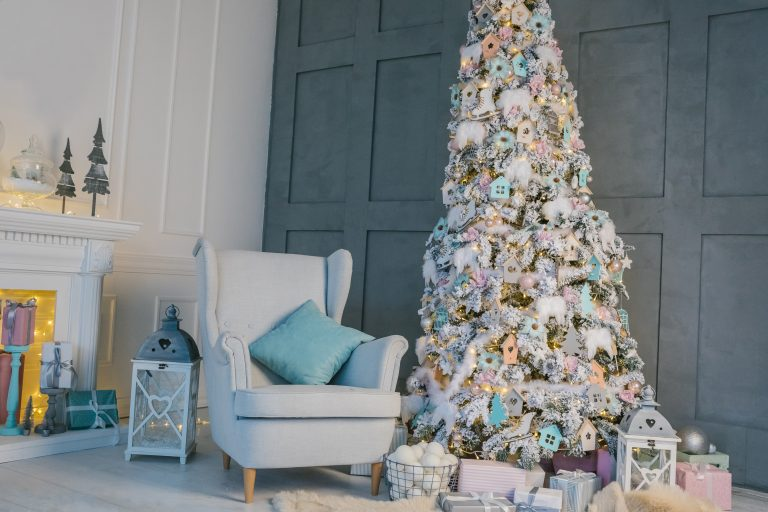 Get Into The Festive Spirit With Beautiful Indoor Decorations!