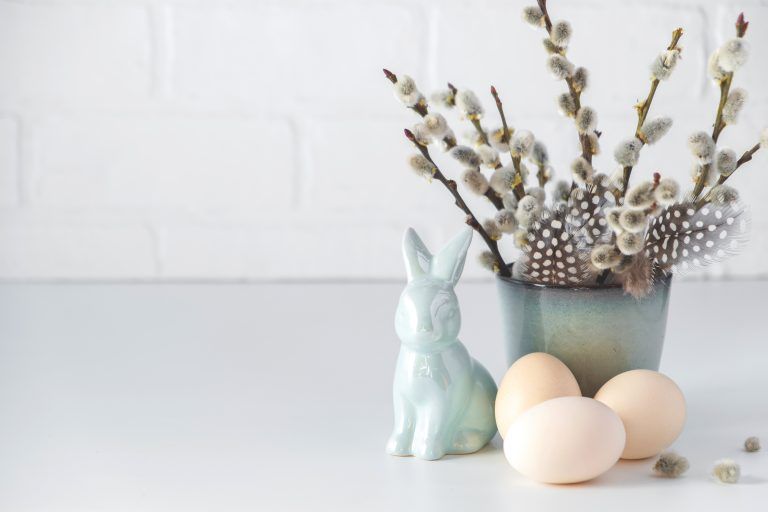 7 Easter Decorating Ideas Anyone Can Implement